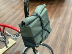 Brompton Borough RollTop Bag Tasche M 14 Liter Olive